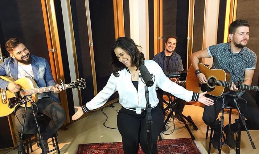 Ana reafirma seu anseio por alcançar vidas para Deus através da música e do talento que Deus à entregou. (Foto: Divulgação).