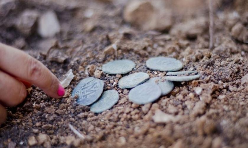 As moedas foram usadas por cristãos em fuga, há mais de 1.400 anos. (Foto: Autoridade de Antiguidades de Israel)