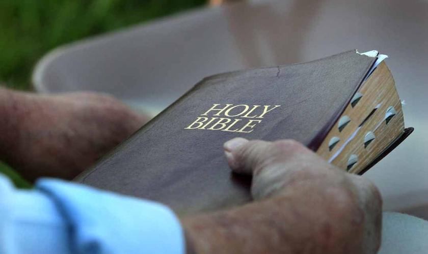 Bíblia em inglês. (Foto: Barabbas Road Church)