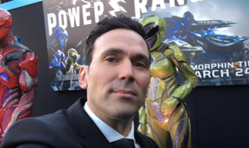 Jason David Frank ficou famoso por fazer o papel dos rangers verde e branco na série infantil 'Power Rangers'. (Imagem: Youtube)