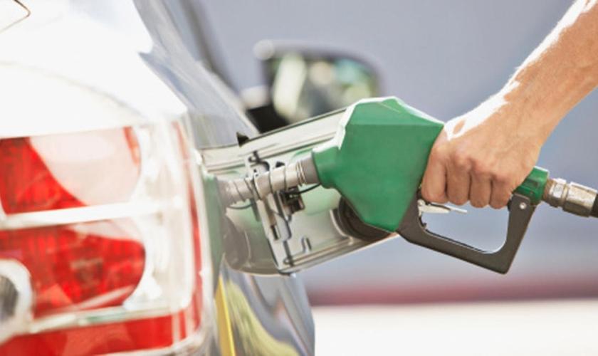 Igreja oferece combustível grátis aos motoristas da cidade de Detroit, em Michigan. (Foto: Reprodução)