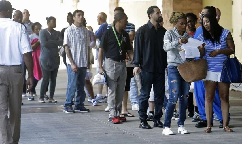 Centenas de pessoas tiveram a oportunidade de resolver casos pendentes. (Foto: Melissa Phillip/Houston Chronicle)