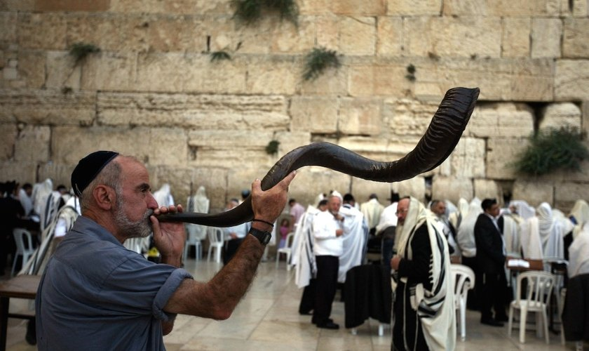 https://thumbor.guiame.com.br/unsafe/840x500/smart/media.guiame.com.br/archives/2017/06/02/2276377251-shofar-israel.jpg
