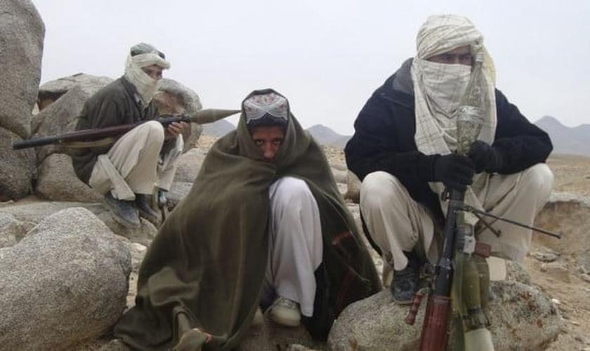 Terroristas do Talibã no Afeganistão. (Foto: Reuters)