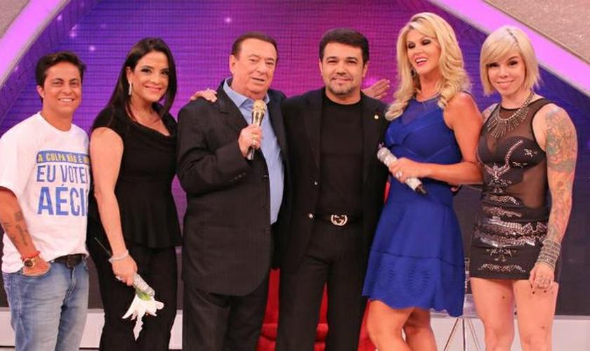 """Thammy Miranda, Val Marchiori, Penélope e Lydia Sayeg entrevistaram Feliciano no quadro """"Elas Querem Saber"""", mediado pelo apresentador do programa."""