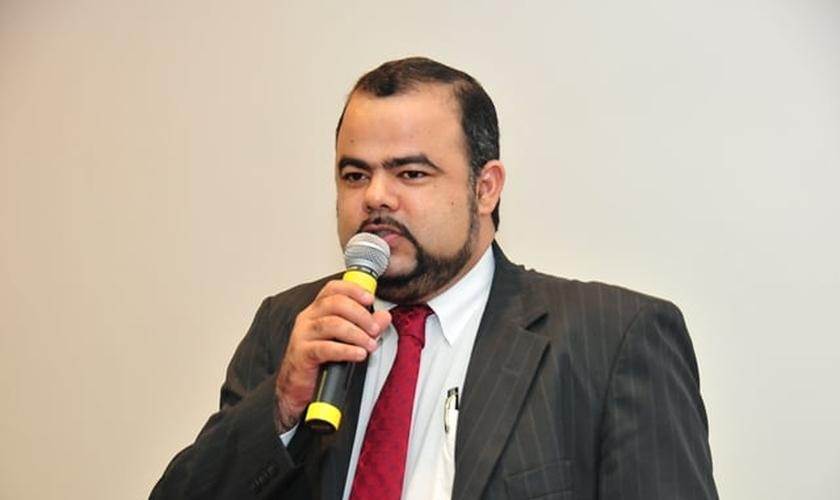 Doutor Uziel Santana é atualmente o presidente da Associação Nacional de Juristas Evangélicos.