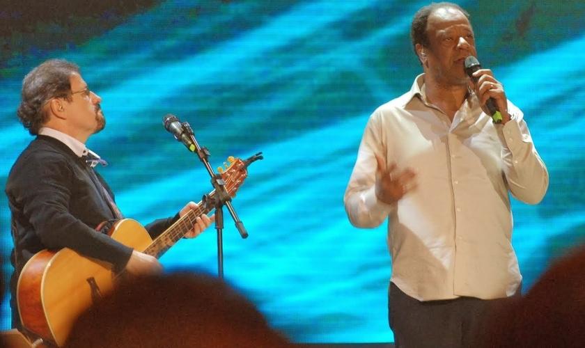 Asaph Borba e Adhemar Campos fazem parte da história da música cristã no Brasil e continuam se destacando como grandes ícones, quando se fala em louvor e adoração.