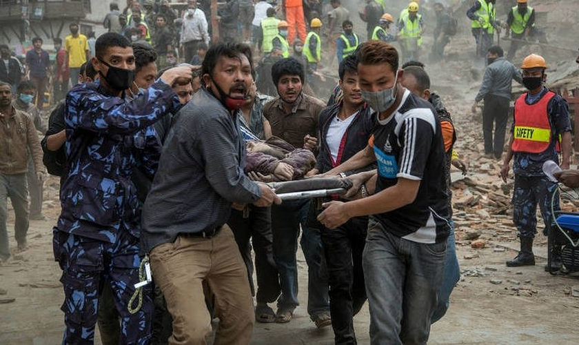 Equipes de ajuda humanitária têm se mobilizado para dar apoio às vítimas desta catástrofe, que segundo a ONU, já afeta 8 milhões de pessoas (um quarto da população do país).