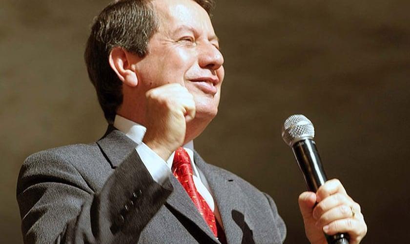 Missionário R.R. Soares, líder da Igreja Internacional da Graça de Deus.