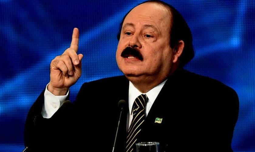 Levy Fidelix (PRTB) concorreu como candidato à presidência da República nas eleições de 2014.