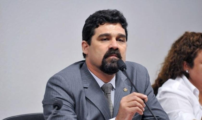 Dr. Sérgio Harfouche é promotor de justiça, membro da Adhonep, presidente do Conselho Estadual Antidrogas (CEAD) do Mato Grosso do Sul e grande divulgador do ProCEVE (Projeto Contra a Evasão e Violência Escolar).