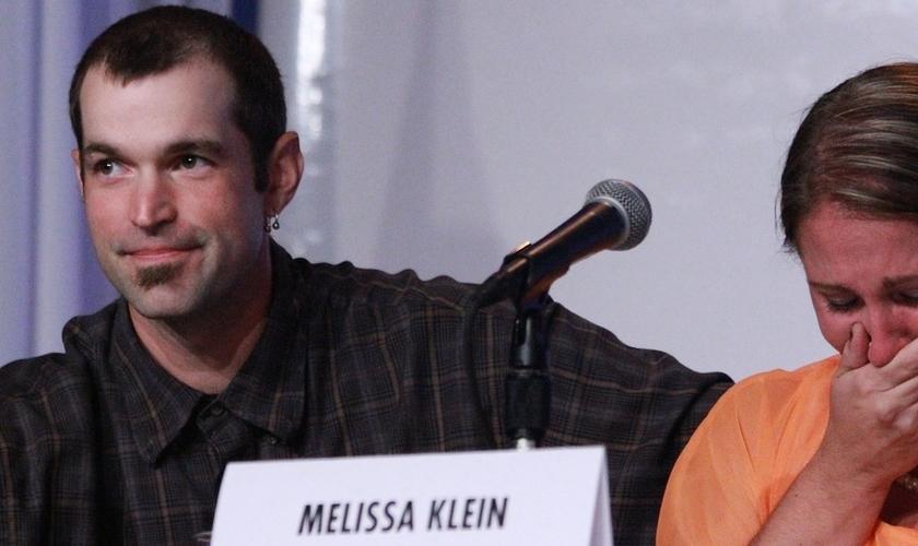 Aaron e Melissa Klein eram donos da confeitaria SweetCakes e criticaram a intolerância que tem atingido ambas as partes do processo judicial que enfrentam.