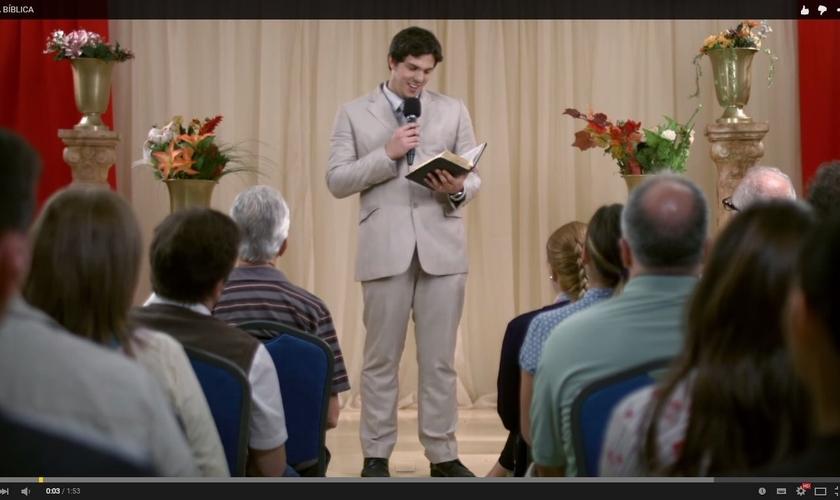 Com o  tema 'Novela Bíblica', o vídeo cria um contexto em que evangélicos não querem mais ler a Bíblia por causa das novelas e séries que contam histórias bíblicas.