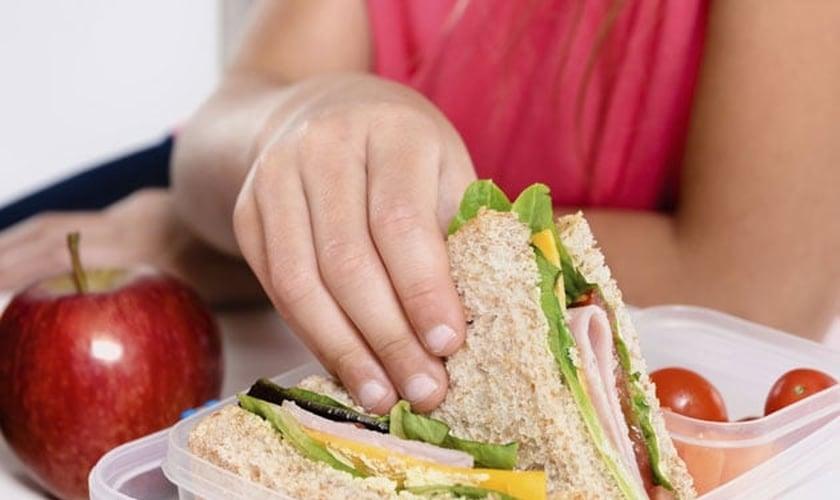 Veja quatro receitas de sanduíches light para incrementar seu jantar. (Foto: Reprodução)