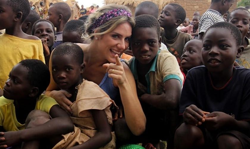 Giovanna Ewbank esteve na África e se emocionou com a fé da população carente do Maláui. (Foto: Arquivo Pessoal)