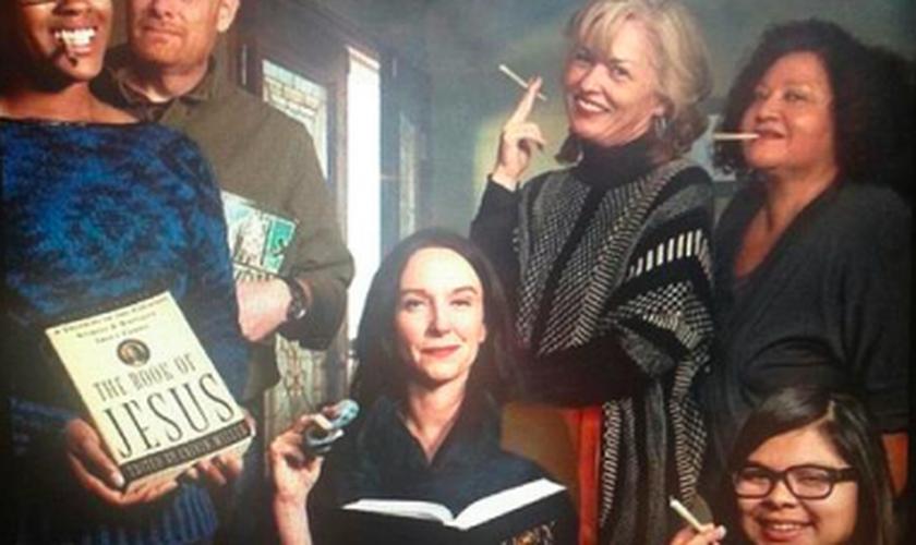 O grupo se reúne para compartilhar alguns ensinos das Escrituras Sagradas enquanto fumam cigarros de maconha. (Foto: Stoner Jesus Bible Study)