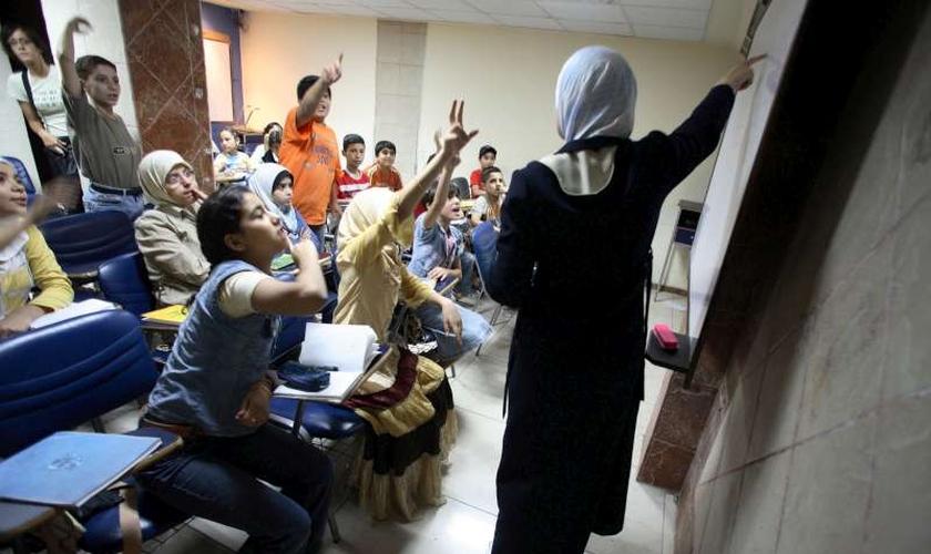 Não apenas pessoas de outras religiões, mas até mesmo muçulmanos estão sob risco em Nínive. (Foto: Reprodução/UNHCR)