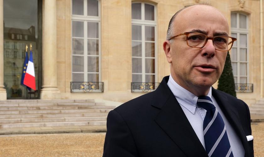 Ministro do Interior da França, Bernard Cazeneuve. (Foto: DR)
