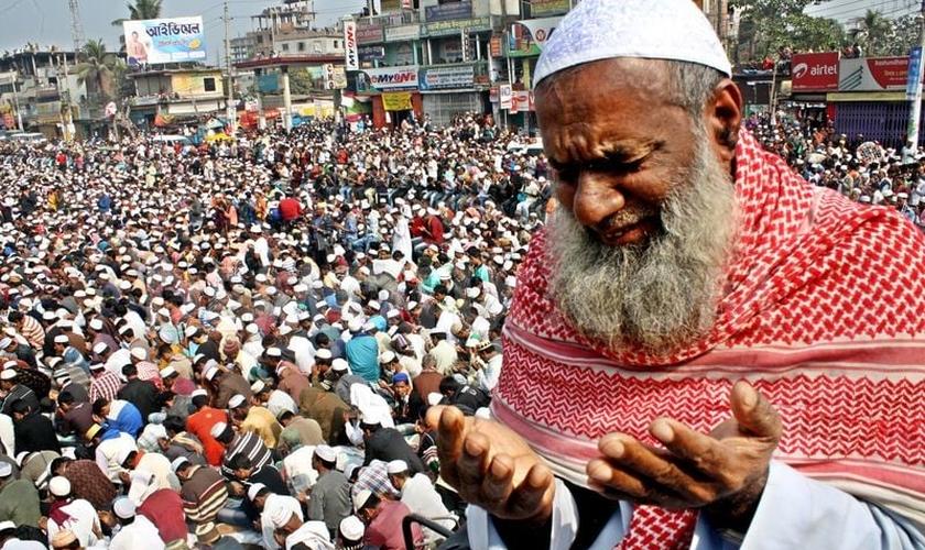 A segunda maior congregação muçulmana em Bishwa Ijtema, Bangladesh. (Foto: Reprodução/ Sial News)