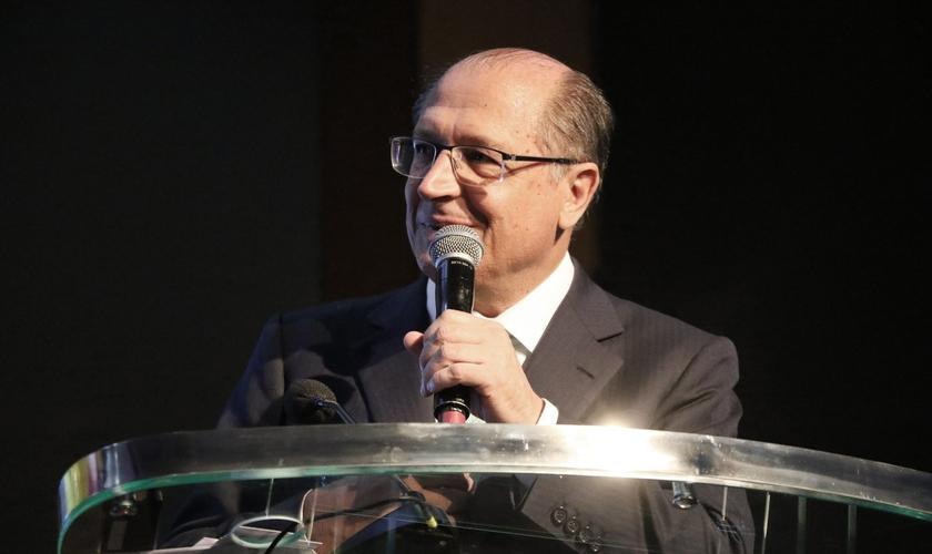 O governador do estado de São Paulo, Geraldo Alckmin, esteve na noite oficial da 96º Assembleia da Convenção Batista Brasileira. (Foto: Guiame/ Marcos Paulo Corrêa)