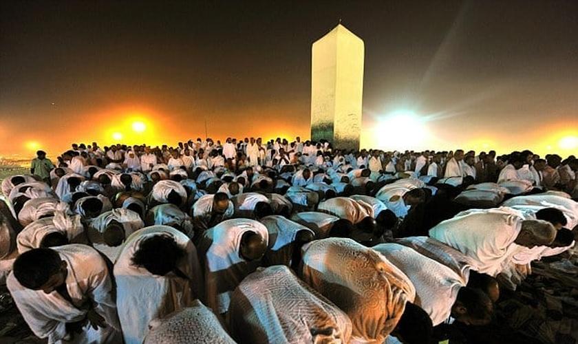 De acordo com uma previsão publicada pelo Centro de Pesquisa Pew no ano passado, o número de muçulmanos na Europa pode aumentar cerca de 63% entre 2010 e 2050. (Foto: AFP/Getty Images)