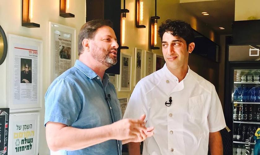 Ron Cantor testemunhou a cura de funcionários em um hotel de Jerusalém. (Foto: Reprodução/Facebook)
