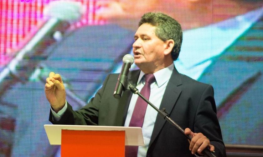 Pastor Francisco Everton durante a abertura da Expoevangélica 2016. (Foto: Divulgação)