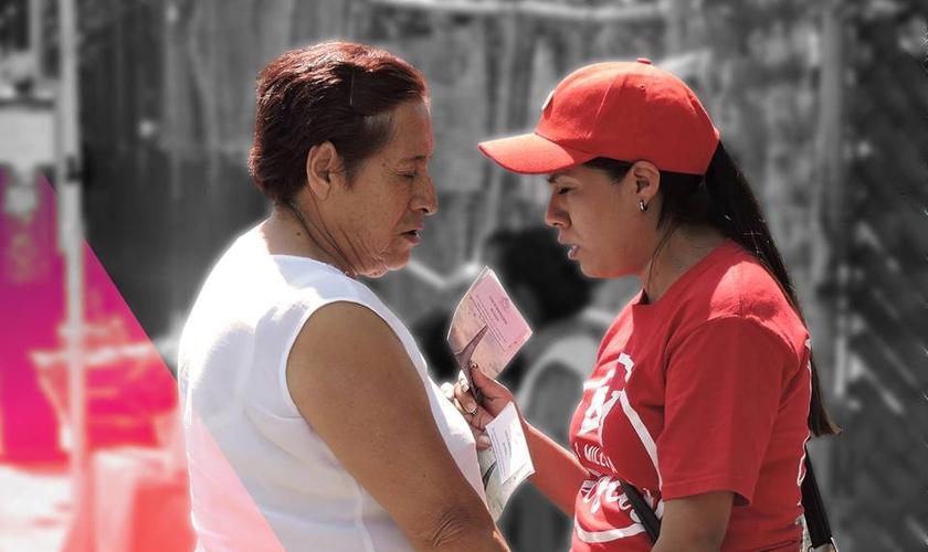 Evangelista pregaram o Evangelho durante um dia inteiro no México. (Foto: 1 Millón para Jesús)