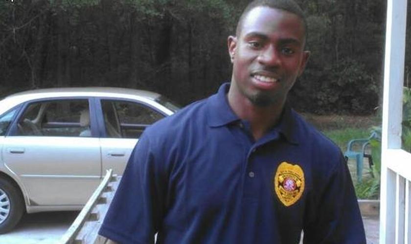 O policial recebeu quatro tiros durante uma ação contra um roubo. (Foto: Reprodução)