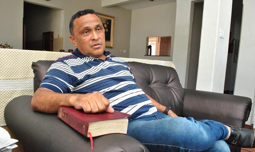 Aldidudima Salles ajudou fundar o Comando Vermelho, mas se converteu há 32 anos. (Foto: Antônio de Picolli)
