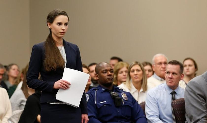 Rachael Denhollander é uma das 150 mulheres abusadas pelo Dr. Larry Nassar. (Foto: Jeff Kowalsky/Agence France-Presse/Getty Images)
