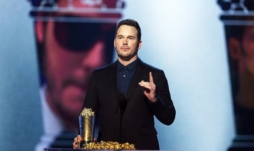 Chris Pratt em discurso no MTV Movie & TV Awards, após receber premiação. (Foto: Getty Images/Kevin Winter)