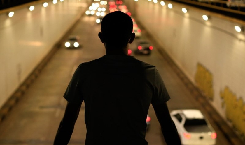 O índice de suicídios cresceu 12% entre 2011 e 2015 no Brasil. (Foto: Reprodução)
