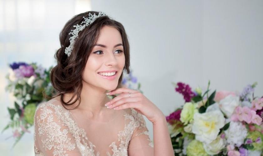Como acabar com espinhas e olheiras no dia do casamento. (Foto: KrisCole/ThinkStock)