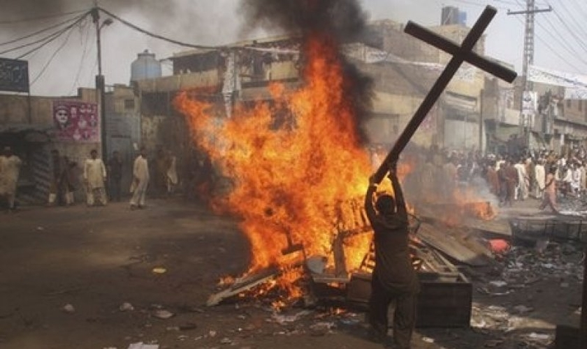 Extremistas fazem protesto violento contra cristãos na Índia. (Foto: asianews.it)