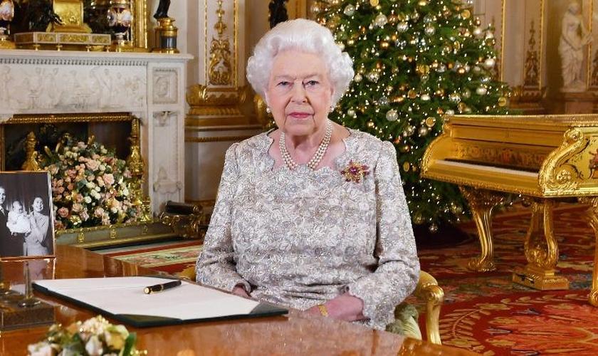 Rainha Elizabeth II valorizou a importância do Evangelho de Cristo na tradicional mensagem de Natal. (Foto: WPA Pool/Getty Images)