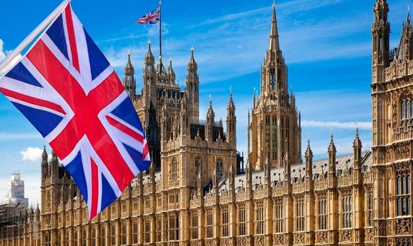 Vista do Parlamento Britânico, que reúne a Câmara dos Lordes e Câmara dos Comuns. (Foto: Reprodução/Internet)