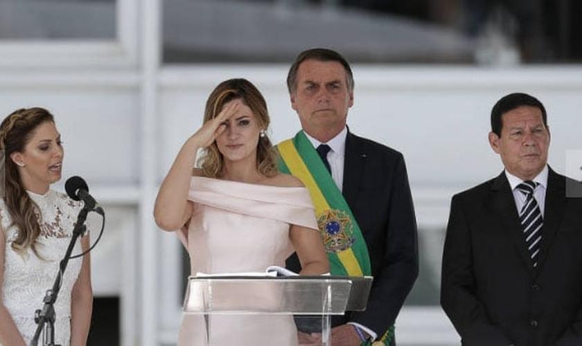 Primeira-dama Michelle Bolsonaro discursa no parlatório como parte da programação da posse presidencial. (Foto: Marcelo Camargo/Agência Brasil)