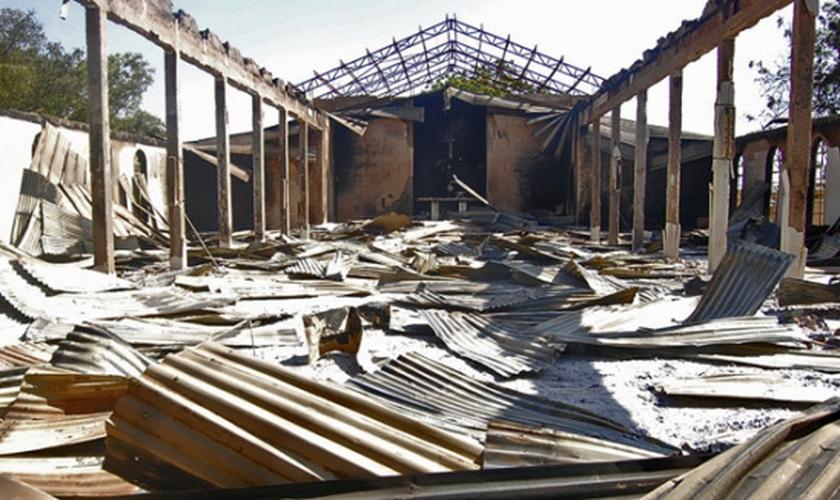 Igreja cristã destruída pelo Boko Haram, grupo extremista islâmico mais temido da Nigéria. (Foto: Divulgação/Christian Post)