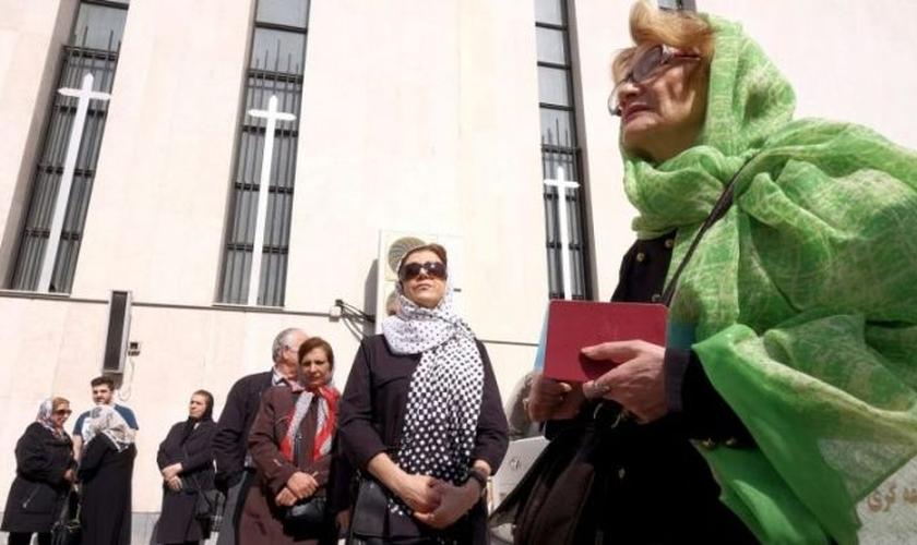 Cristãos iranianos firmes em sua fé. (Foto: Raheb Homavandi/Reuters)