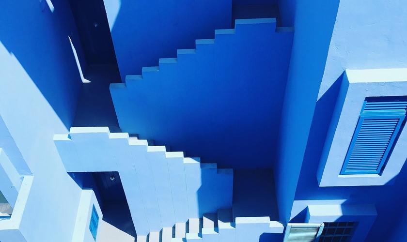 Labirinto (Foto: Staircase/Unsplash)