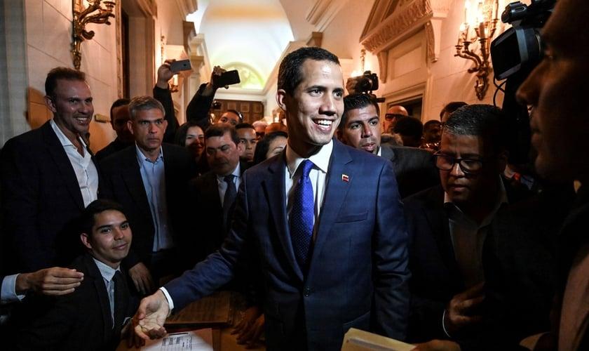 Líder da oposição venezuelana e autoproclamado presidente interino, Juan Guaidó, na Assembleia Nacional. (Foto: Juan Barreto/AFP)