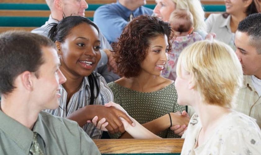 Amizades na igreja podem incentivar saúde física e mental. (Foto ilustrativa: Thinkstock)