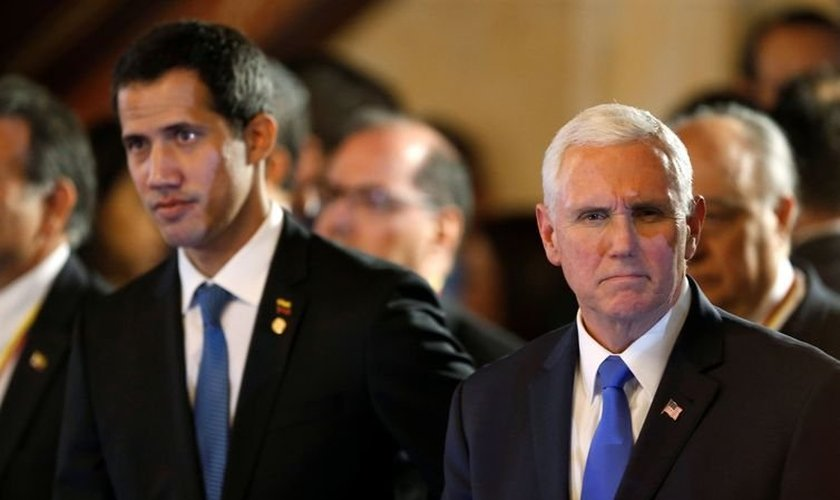 O presidente interino da Venezuela, Juan Guaidó, e o vice-presidente dos EUA, Mike Pence, participam da reunião do Grupo de Lima, em Bogotá. (Foto: Luisa Gonzalez/Reuters)