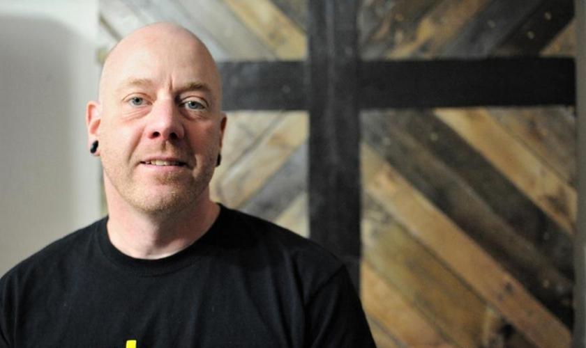Chris Swales foi ferido no Iraque e agora é ministro da Igreja de Badlands. (Dani Fitzgerald/ECL)