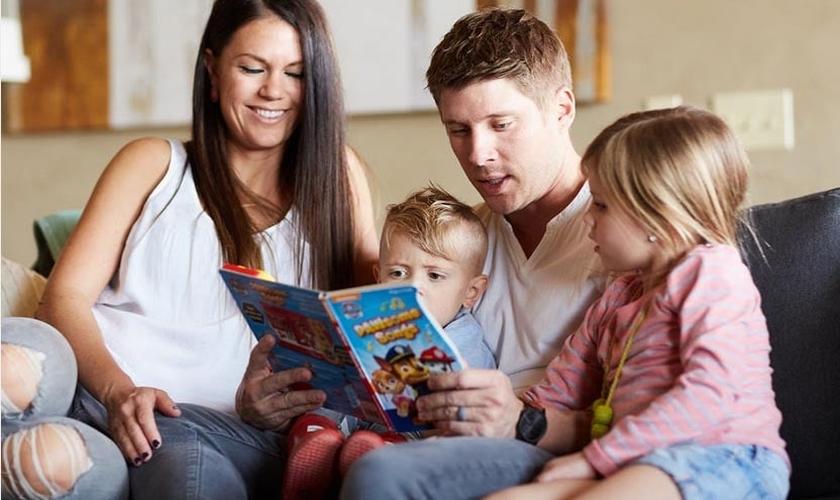 Apenas 25% das famílias têm práticas de fé em conjunto. (Foto: Reprodução/Barna)