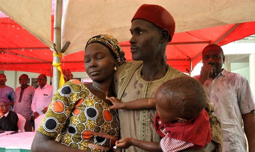Culto especial de ação de graças da Igreja no domingo em Abuja. (Foto: Reprodução/OnnoBello)