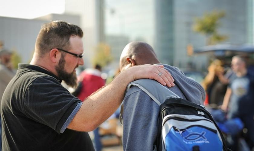 Pesquisa mostra que maioria dos cristãos não tem evangelismo como prática no cotidiano. (Foto: Chelsea/Lightstock)