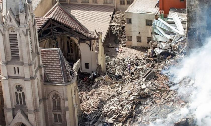 Igreja Luterana foi destruída após prédio desabar no Largo do Paissandu, em São Paulo. (Foto: Marivaldo Oliveira/Código19 /Agência O Globo)