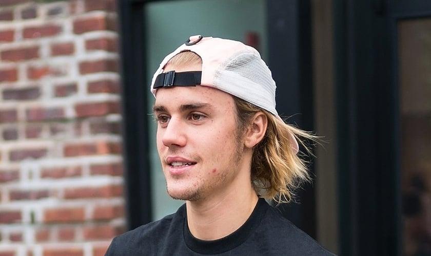 Justin Bieber abriu seu coração e incentivou seguidores a buscarem a Deus. (Foto: Gotham/GC Images/Getty Images)